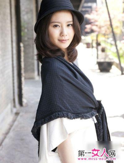 刘诗诗最新街拍 优雅演绎秋冬时尚穿搭 图图片