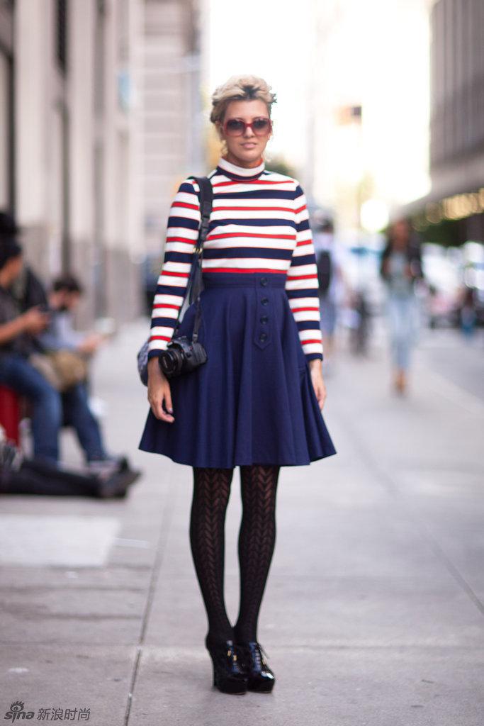 今年最流行的衣服_女款露肩长款t恤批发今年最流行的服装批发市场, 网