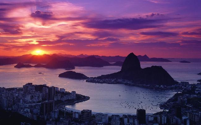 巴西里约热内卢海滩,毫无疑问,这是世界上最有名的海滩,它在里图片