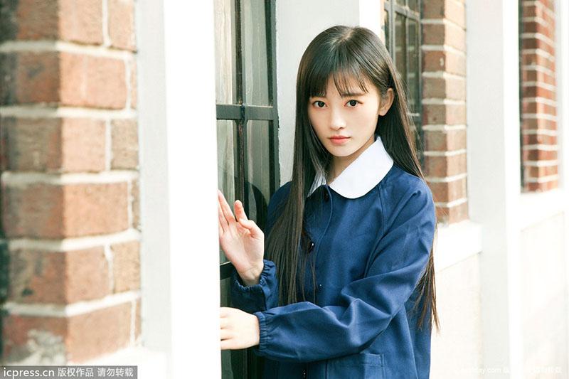 中国第一美女校服装曝光 一身民国范儿有意争