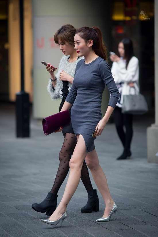 街拍上海美妞真空装短裙短裤出街诱人犯罪|图