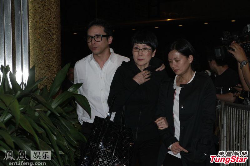 香港富豪刘銮雄母亲设灵 政商界名流前来致祭