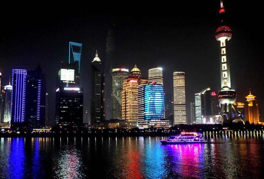 大城市的经济总量_经济发展图片