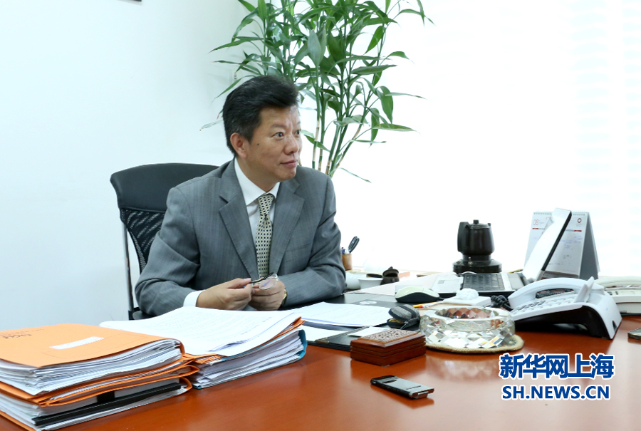 人在上海--崇尚a情趣做事的情趣苏月明_新华网连衣裙律师图片