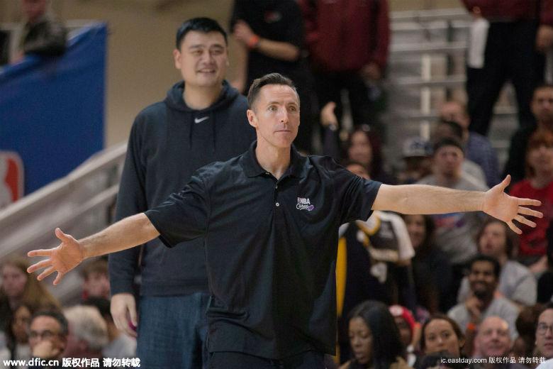 姚明参加NBA全明星任 导师 女儿竟然都这么高了