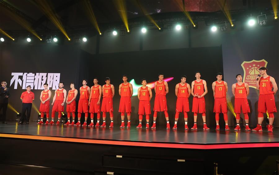 中国男女篮出征仪式在京举行