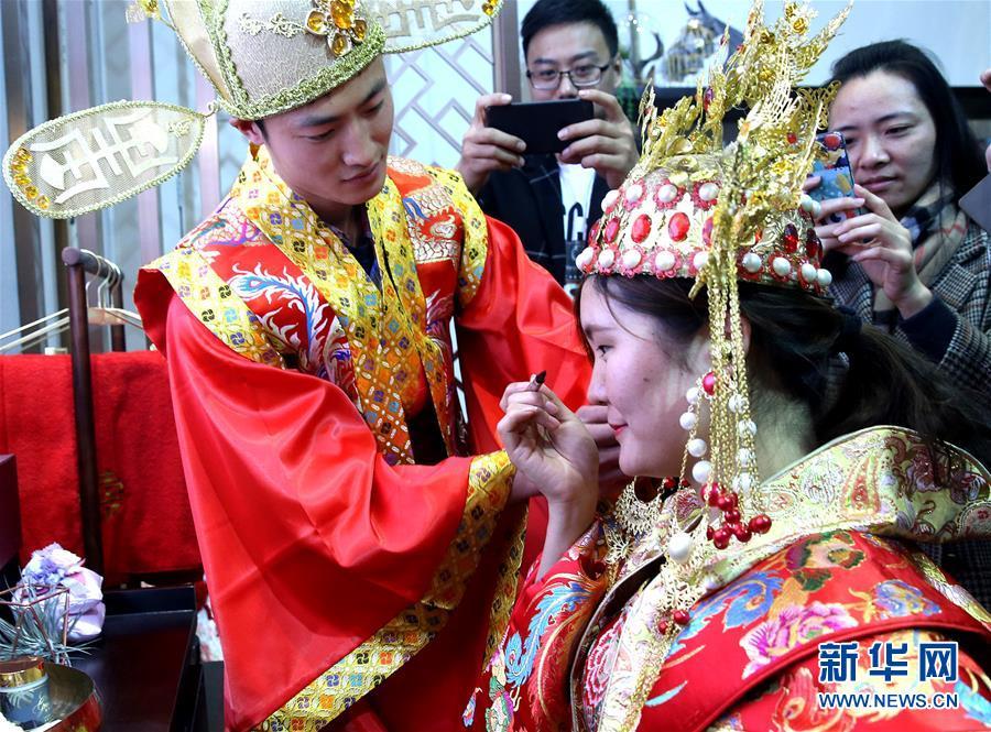 (服务)(3)中国国际家用钱柜777老虎机品及辅料博览会在上海揭幕