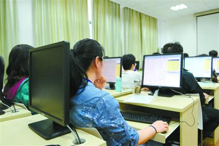 今年上海高考语文试卷首设主观性试题评阅组(责编保举:数学教案jxfudao.com/xuesheng)
