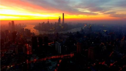 航拍2018第一天:《日出 上海》