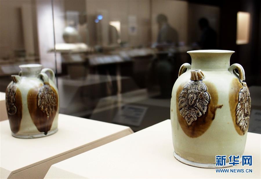 """(新華視界)(6)""""黑石號""""沉船出水珍品在上海展出"""
