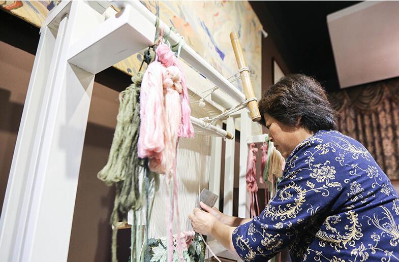 非遗传承的创新样本:险些失传的丝毯艺术如何成为一段锦绣传奇?