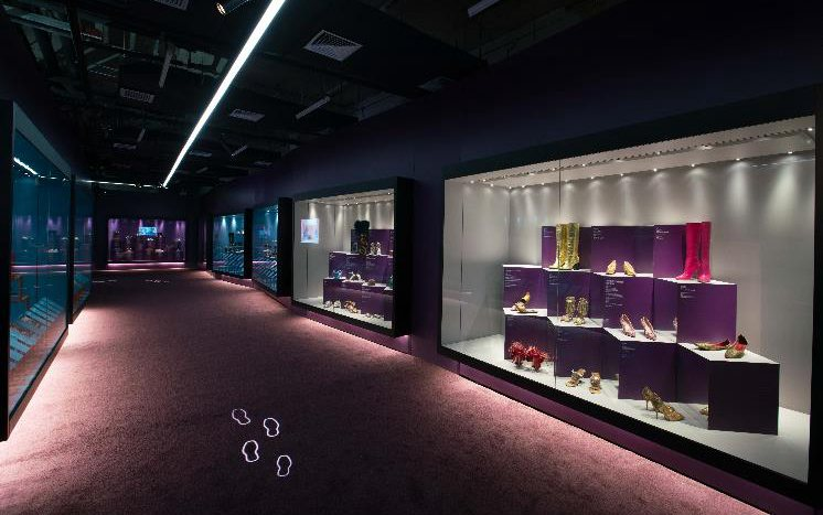 《鞋履:乐与苦展览》亚洲首展在静安开幕