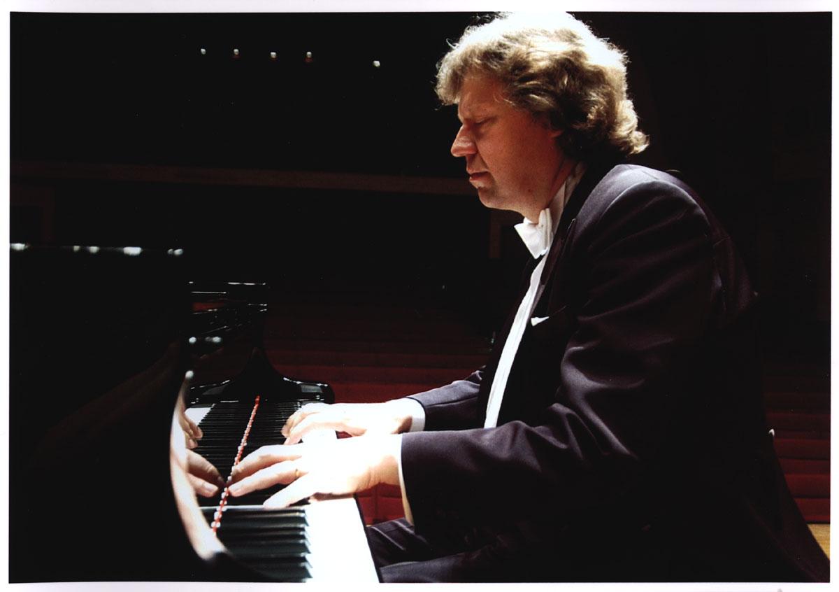 专访佛克•格拉斯贝克:弹奏钢琴需要忠诚度