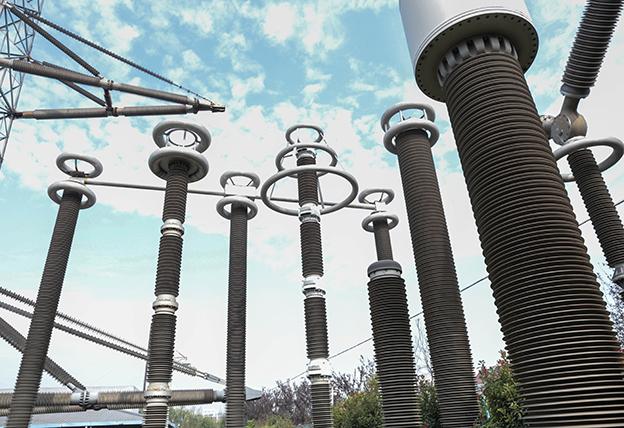 神马电力(如皋)工业园内展示的电力系统复合外绝缘产品