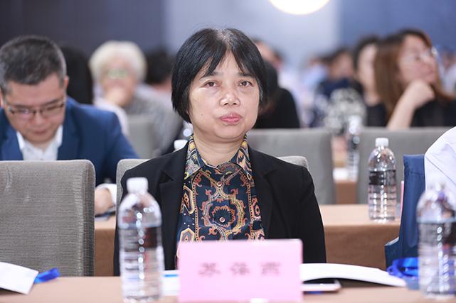 時裝周是中國品牌提升國際化、擴大影響力的好平臺