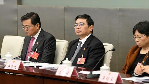 蒋卓庆参加虹口代表团审议:要高度重视人才作用