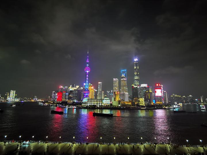 """上海的""""軟""""與""""硬"""""""