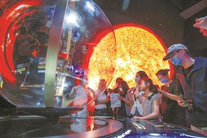 """3000名观众""""尝鲜""""上海天文馆,直呼震撼"""