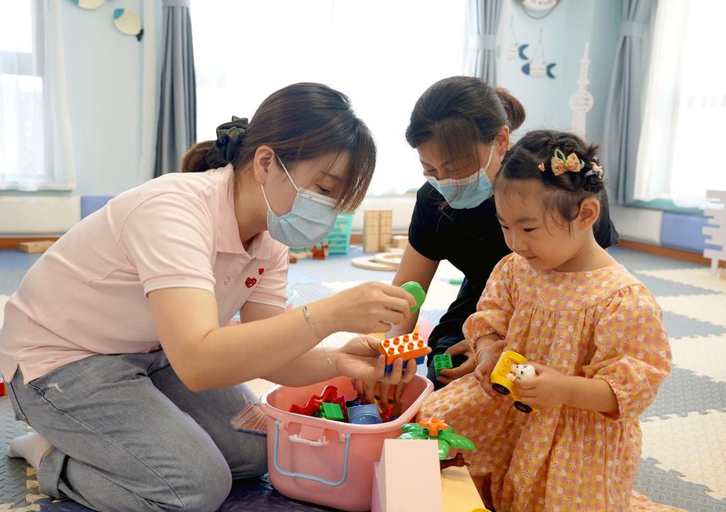 上海:科学育儿指导进社区
