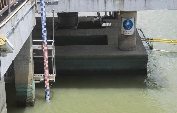 147座泵閘強力排水 上海內河均已預降到控制水位
