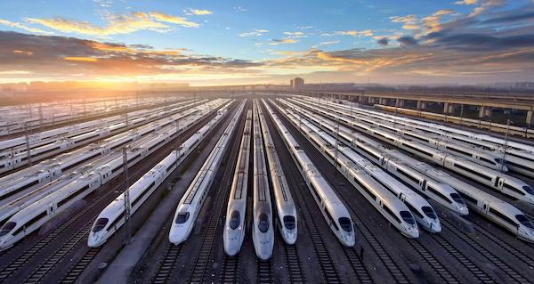暑运过半 长三角铁路发送旅客6430万人次