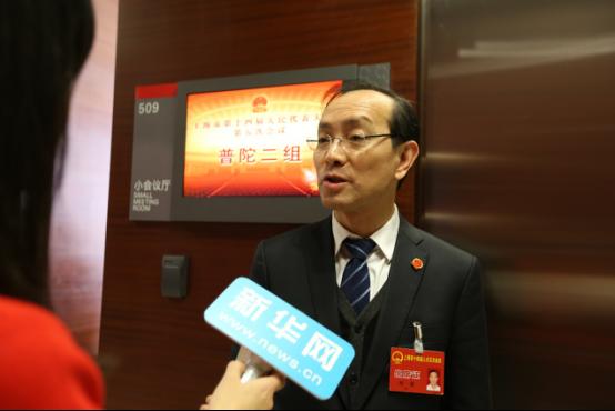 叶青代表:完善绩效工资制度 助推高校持续发展