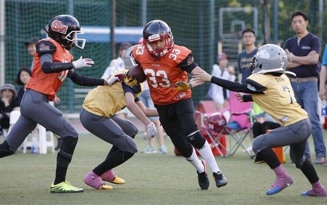 上海:少儿橄榄球运动方兴未艾