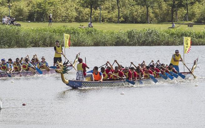 第十届上海高校外国留学生龙舟赛在沪举行