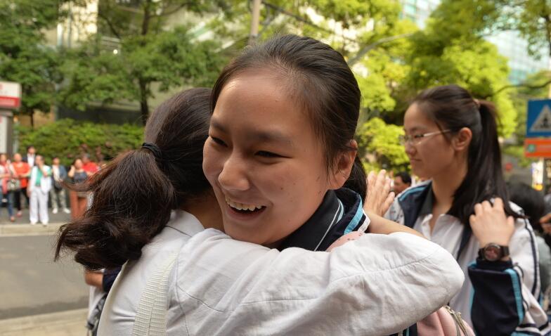 现场直击|上海5万名考生今日高考