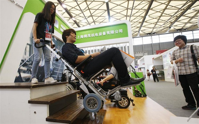 中国国际养老辅具及康复医疗博览会在沪开幕