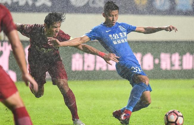 中超联赛:广州富力平上海上港