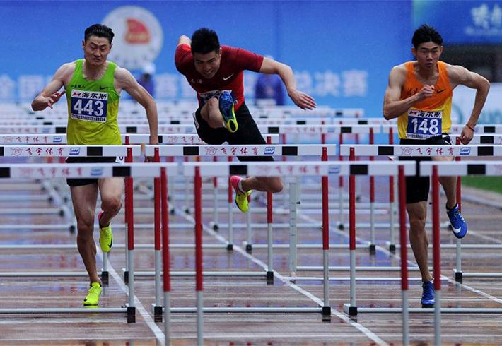 全国冠军赛:谢文骏获男子110米栏冠军