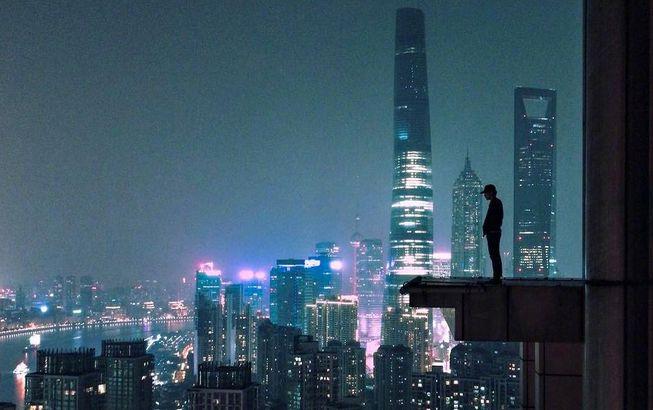 """90后华裔女孩:用两年时间拍出""""魔性""""上海"""