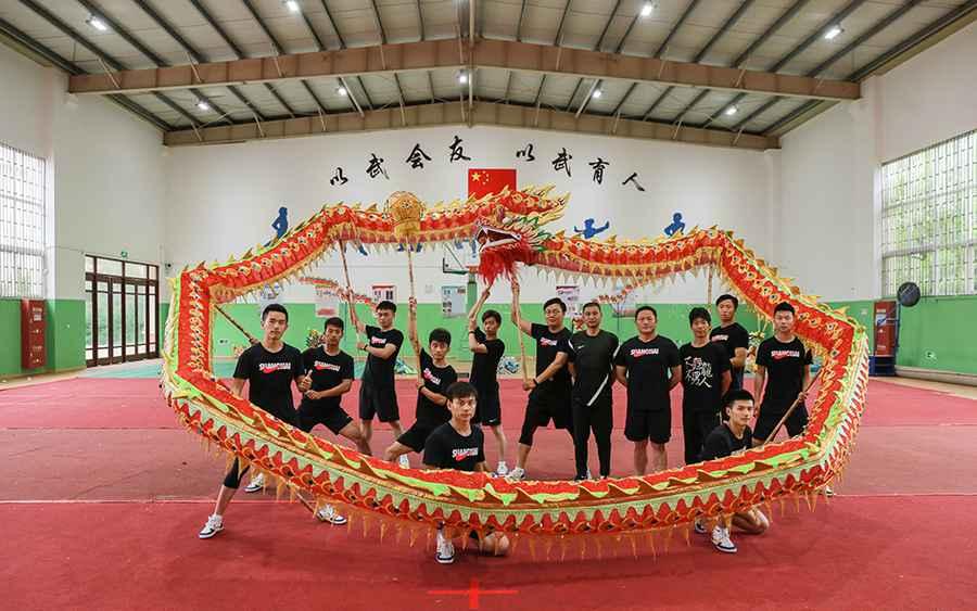 我要上全运•激励一代人 三林舞龙队:不舞龙 不男人
