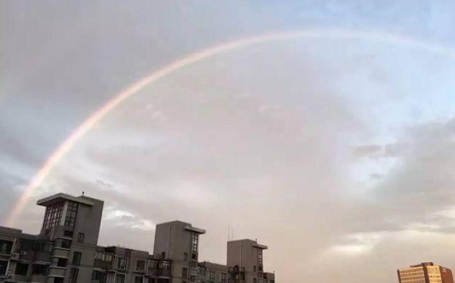 上海今晨出现美丽彩虹!一大波美图来袭