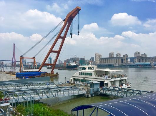 """徒步杨浦滨江 2.8公里""""工业锈带""""一步一景"""