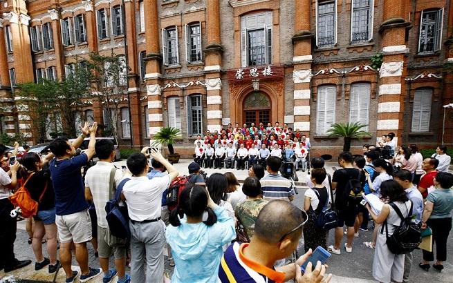 """上海:第二批""""组团式""""援藏教师出发"""