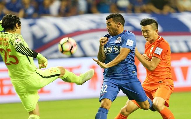 足协杯:上海绿地申花对阵山东鲁能