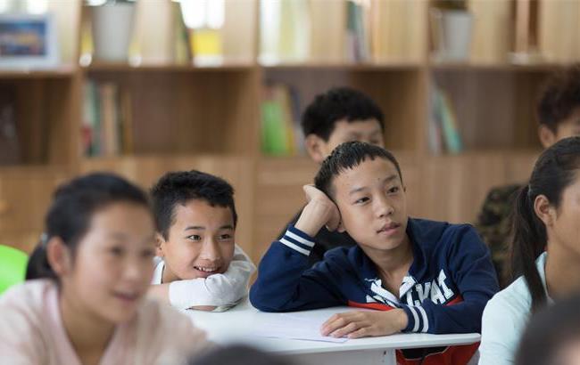 同济学子为山区孩子打造首批梦想教室