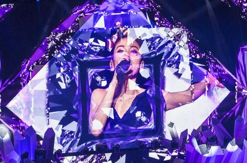 蔡健雅巡演上海站定制歌单 复古女伶用音乐开解人生