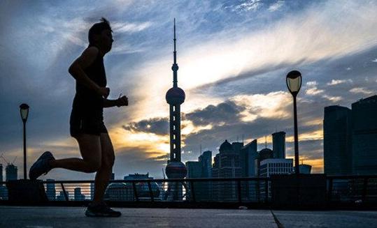 上海今多云转阴 最高温32℃ 本周多雷雨体感闷热