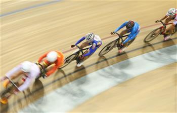 场地自行车——女子场地全能赛:黄丽夺冠