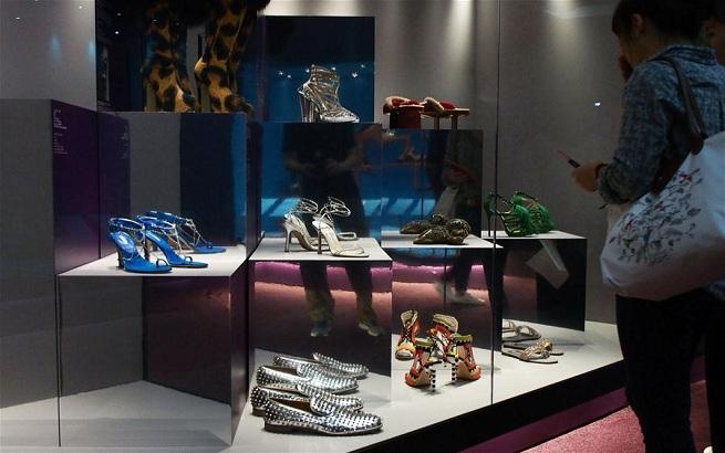 """""""鞋履:乐与苦""""展览亮相上海"""