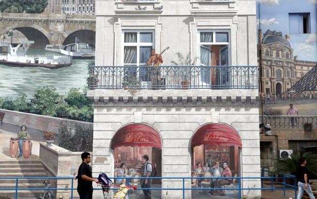 上海现彩绘建筑 巴黎地标一应俱全