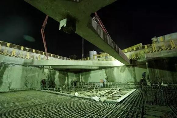 上海轨交15号线首座车站主体结构封顶 未来将纵贯5个区