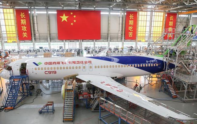 C919大型客機102架機完成整機噴漆