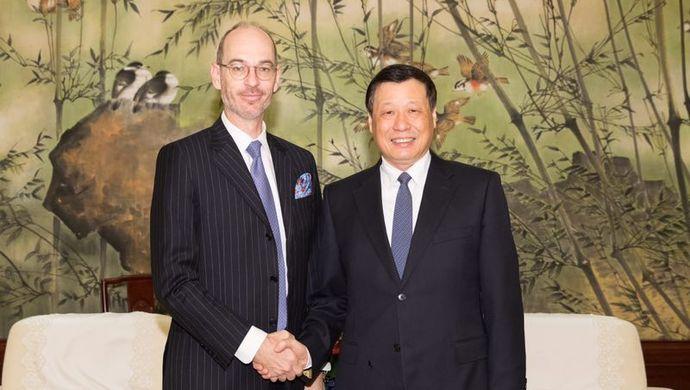应勇会见卢森堡新任驻华大使俞博生