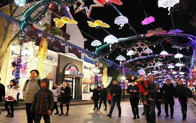 上海欢乐谷跨年灯会亮灯