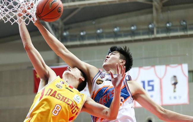 篮球——CBA常规赛:上海不敌同曦