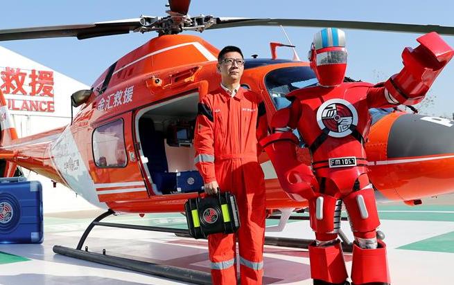 上海:城市管理立体化 直升机加入空中应急报道